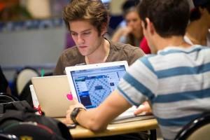 Online Eğitim Almak İçin Gereken Masraflar